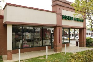 Lee-Harrison Shopping Center's Sweet Tooth Pulled