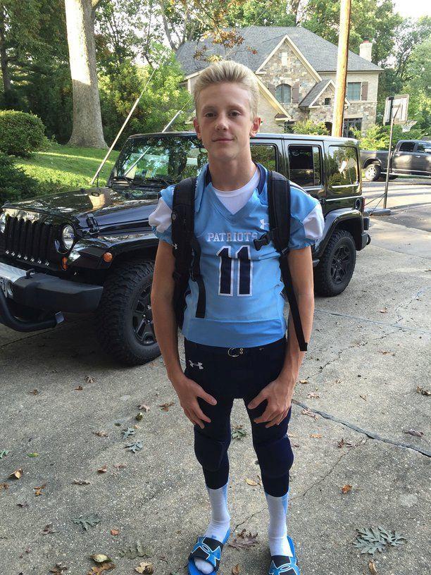 Varsity+football+player%2C+sophomore+Tanner+Wall