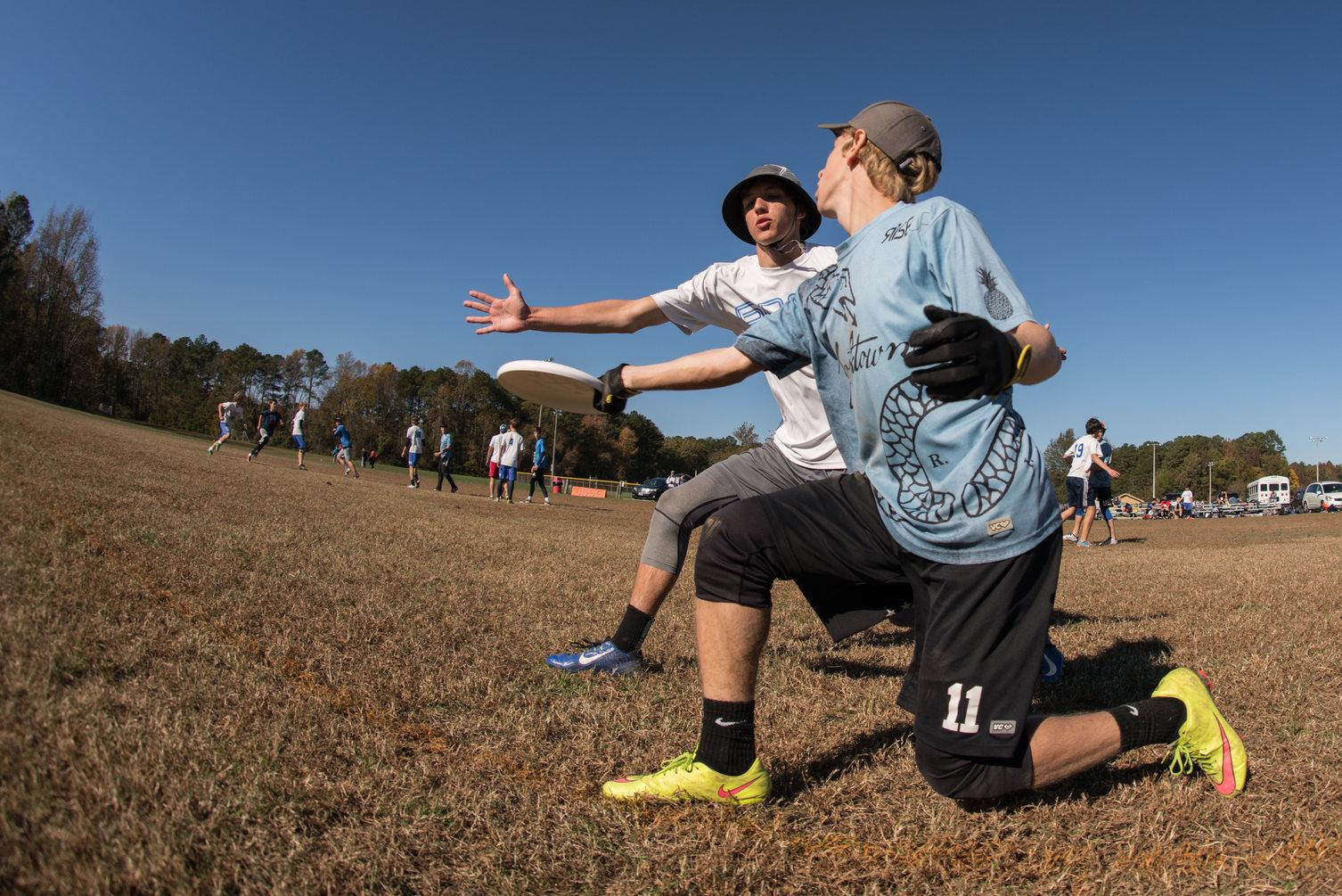 Senior Anders Juengst (foreground) at an ultimate tournament