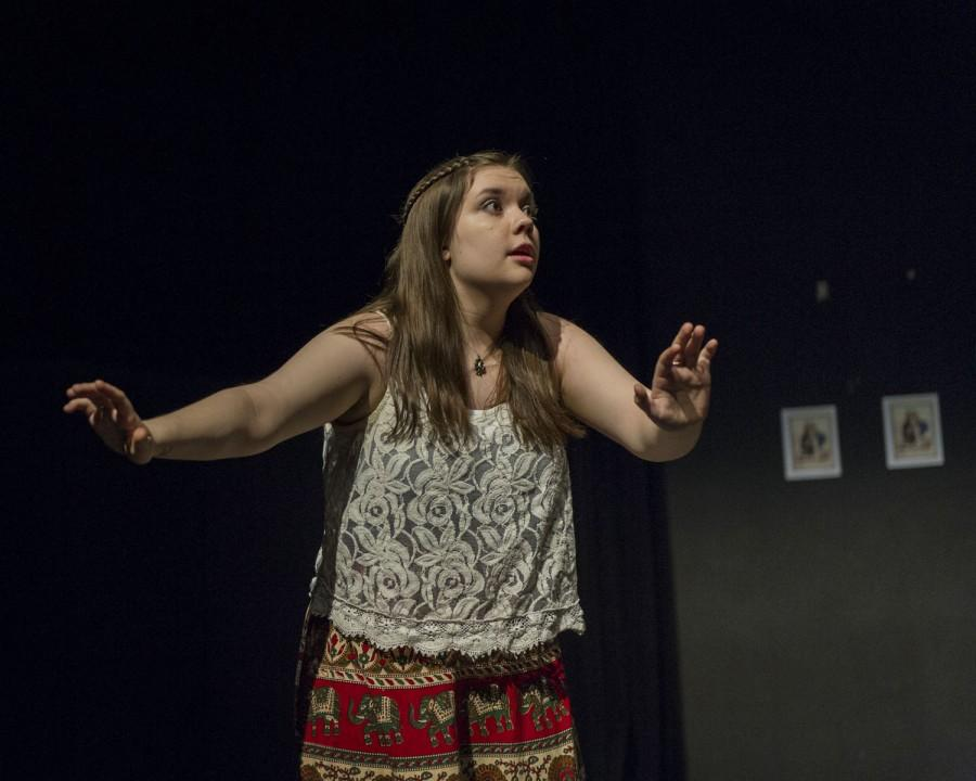Anna Cregan as Lucy Carrigan