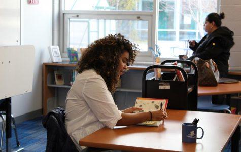 Author Elizabeth Acevedo Promotes New Book at Yorktown